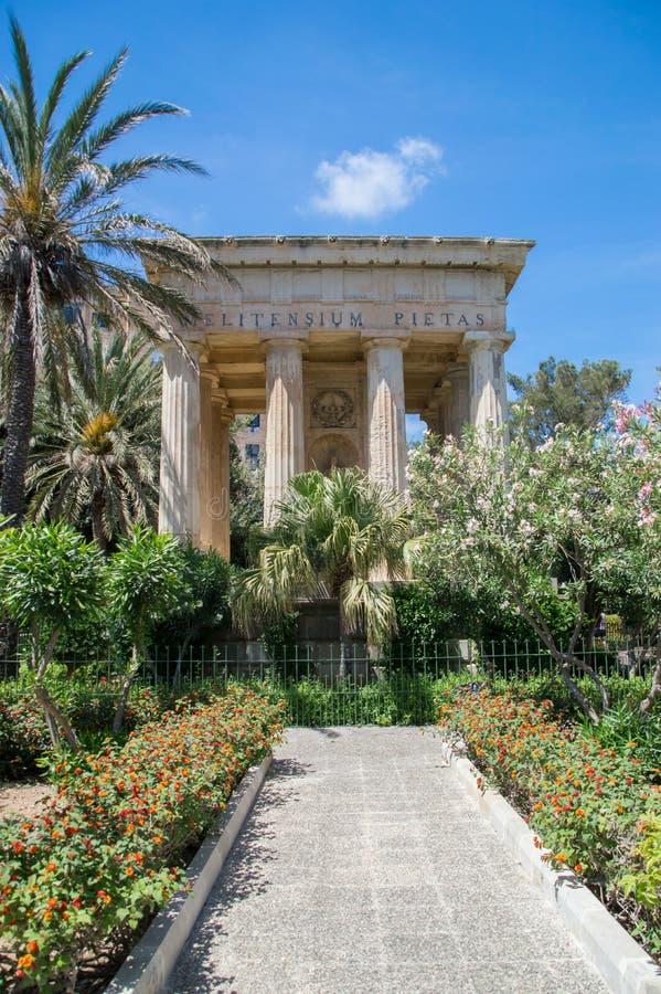 Валлетта, Мальта - 9-ое мая 2017: Верхние сады и памятник Barrakka предназначили к шарику Александра стоковое изображение
