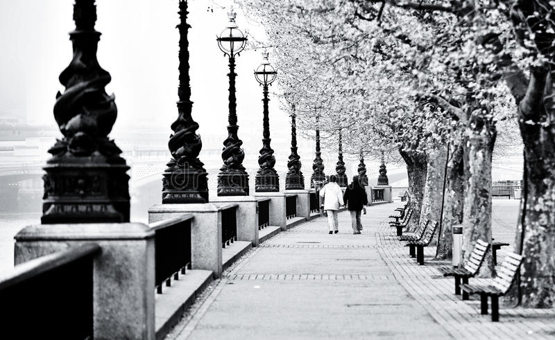 вдоль прогулки london thames стоковое фото