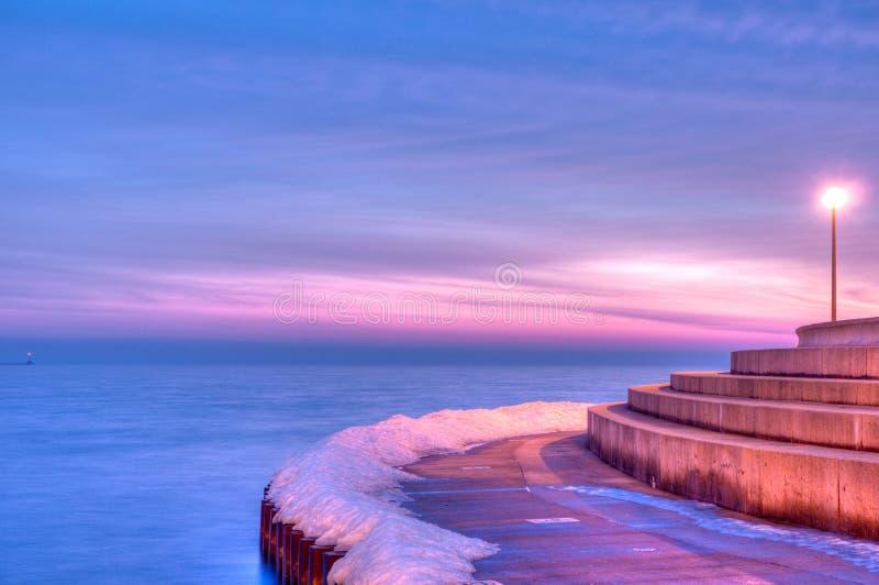 вдоль утра Мичигана озера jog chicago стоковое изображение rf