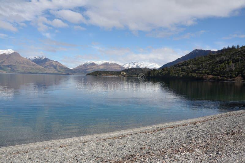 вдоль wakatipu zealand взгляда озера нового стоковое фото rf