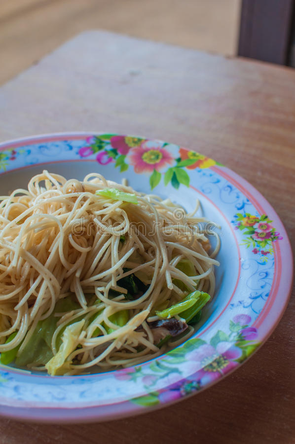 Вегетарианец Yangshuo лапшей жареных рисов Stir стоковые изображения rf
