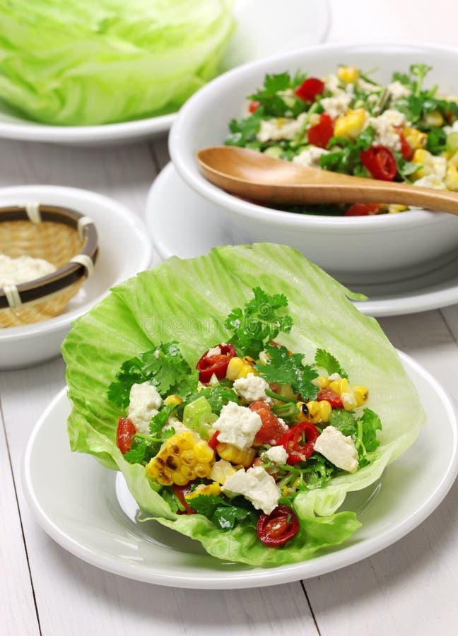 Вегетарианские обручи салата стоковое изображение