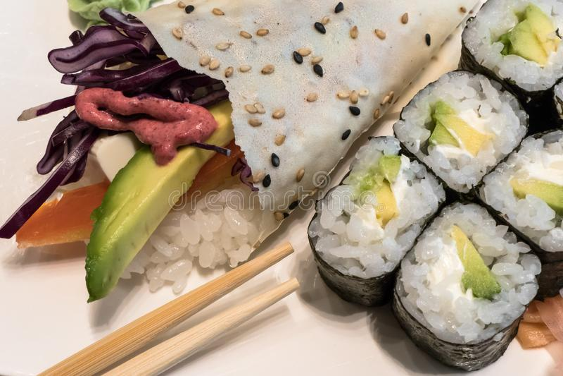 Вегетарианские Temaki-суши стоковые изображения rf