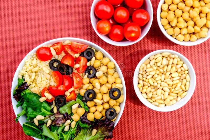 Вегетарианский шар обеда пшеницы булгура стоковое изображение rf