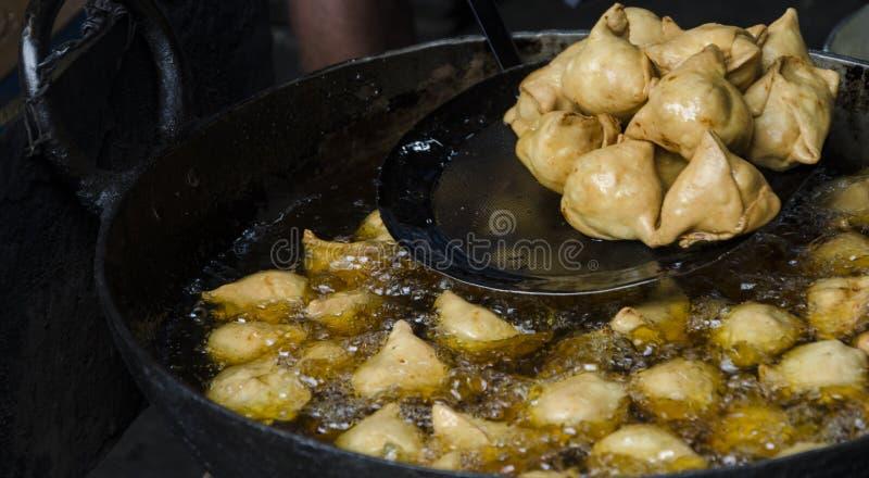 Вегетарианское samosa закуски стоковое фото rf