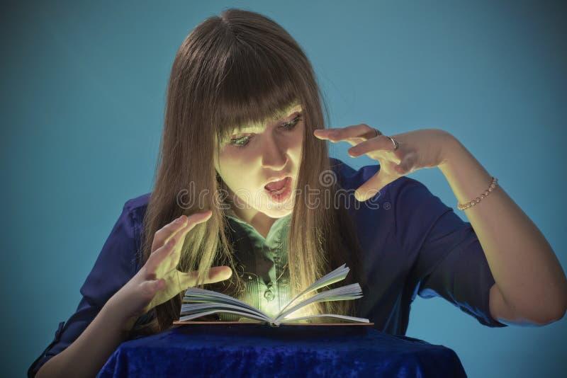 Ведьма стоковое изображение