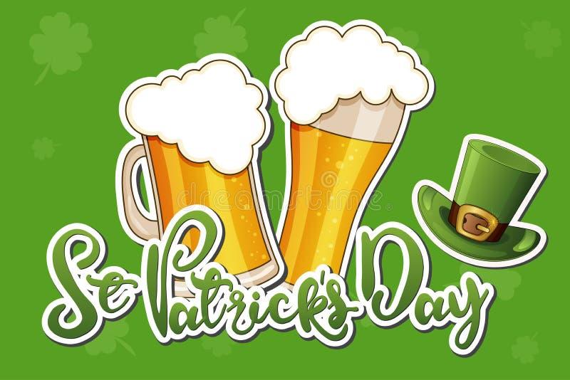 Вектор дня St. Patrick изолировал иллюстрацию со шляпой, пивом и клевером на зеленой предпосылке бесплатная иллюстрация