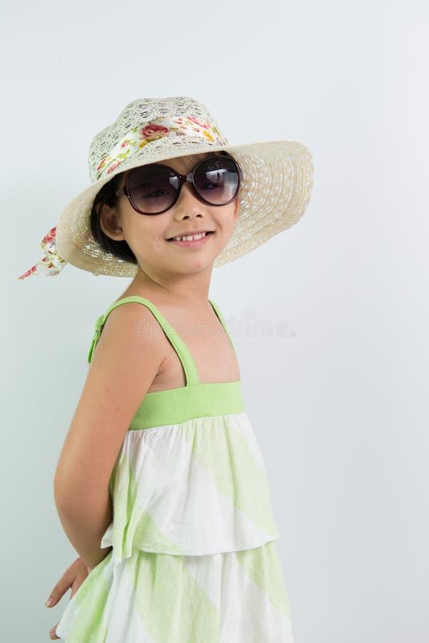 Download вектор темы лета неба иллюстрации бабочек зеленый Стоковое Фото - изображение насчитывающей представлять, девушки: 40588590