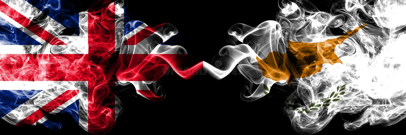 Великобритания против Кипра, кипрские закоптелые мистические флаги у иллюстрация вектора
