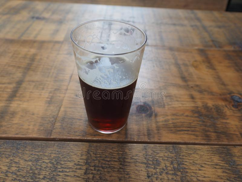 великобританская пинта пива эля стоковое фото rf