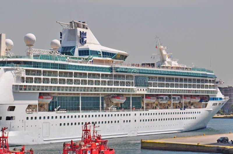 Великолепие морей в порте Пирея, Греции стоковые изображения rf