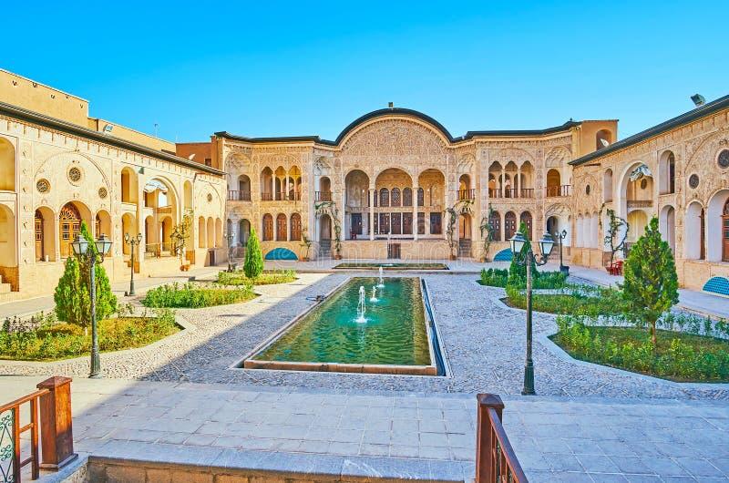 Великолепие персидского особняка, Kashan, Ирана стоковое изображение