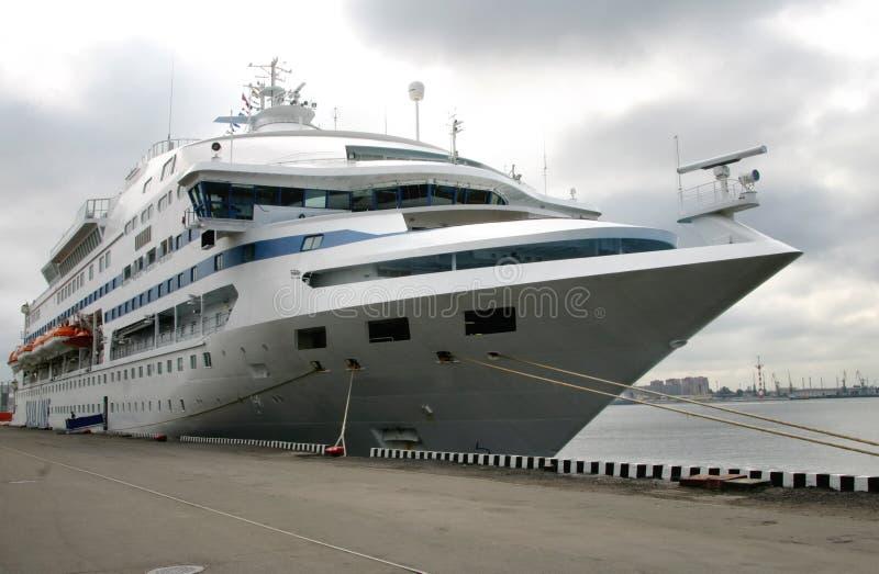 величественная белизна корабля стоковые фотографии rf