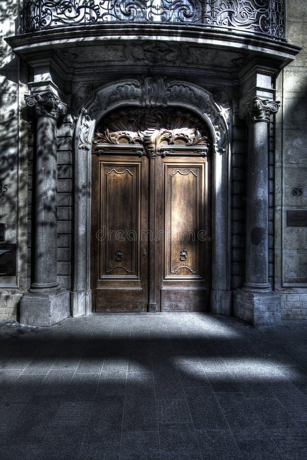 Величественные богато украшенные ворота стоковое изображение