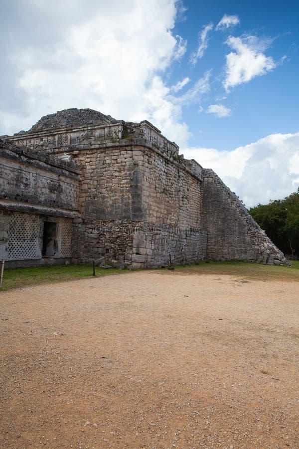 Величественные майяские руины в Chichen Itza, Мексике стоковое фото rf
