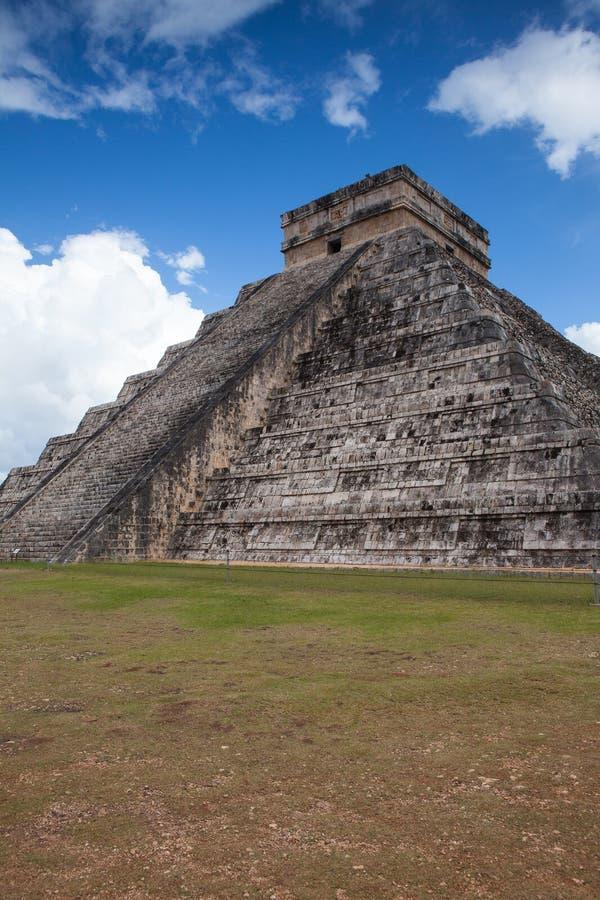 Величественные майяские руины в Chichen Itza, Мексике стоковое фото