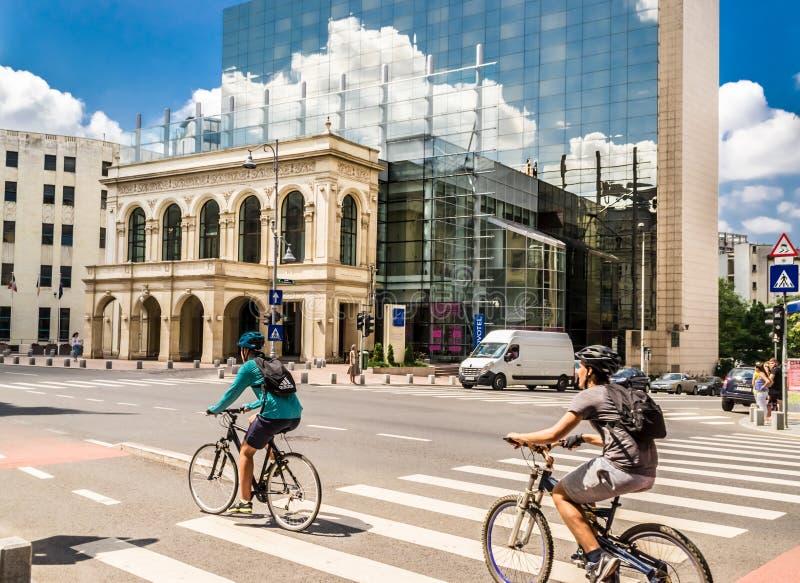 Велосипедисты на бульваре Victoy стоковое фото rf