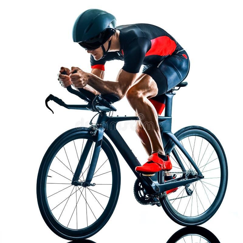 Велосипедист задействуя b триатлона Triathlete изолированный силуэтом белый стоковое фото rf