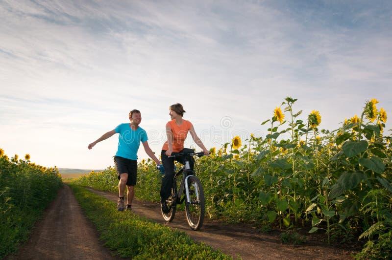 велосипед ослабляет стоковые фото