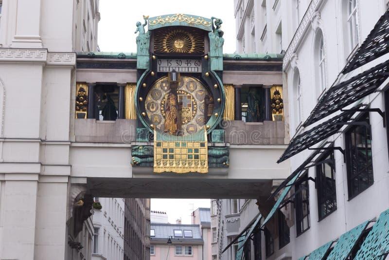 Вена, Австрия, октябрь 2016, часы Anker - известный touristic ориентир ориентир стоковые фотографии rf