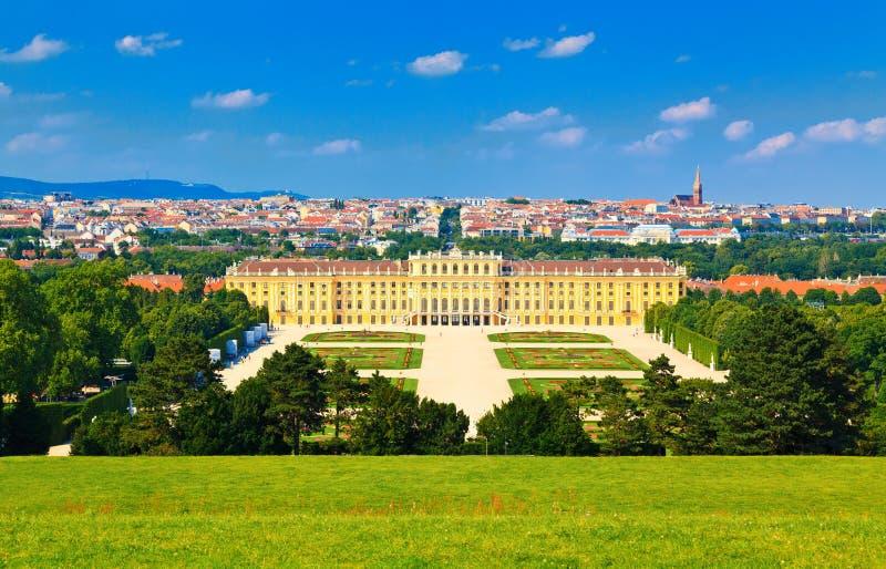 Вена и парк Schonbrunn стоковые фотографии rf
