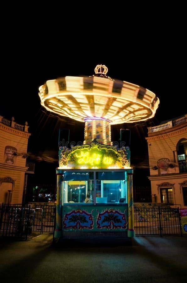 Вена, Riesenradplatz и весел-идти-круглая стоковая фотография
