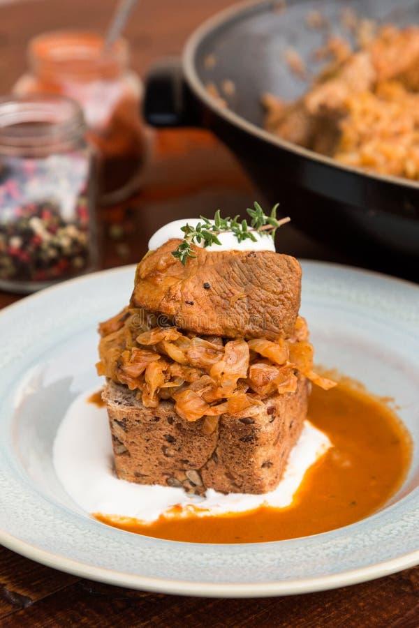 Венгерское тушёное мясо капусты стоковое фото rf