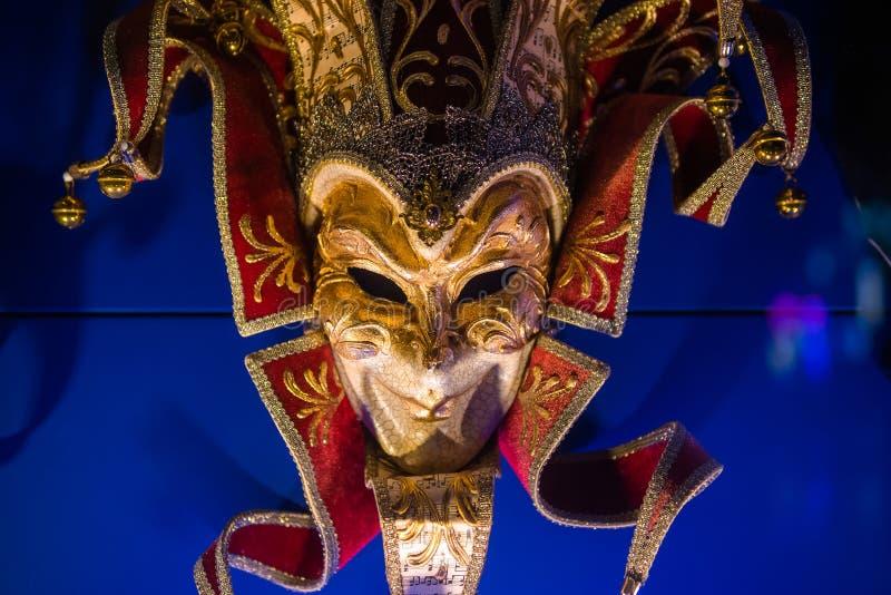 Венецианская маска для масленицы в Венеции, Италии Маски масленицы Венеции вечером стоковое фото