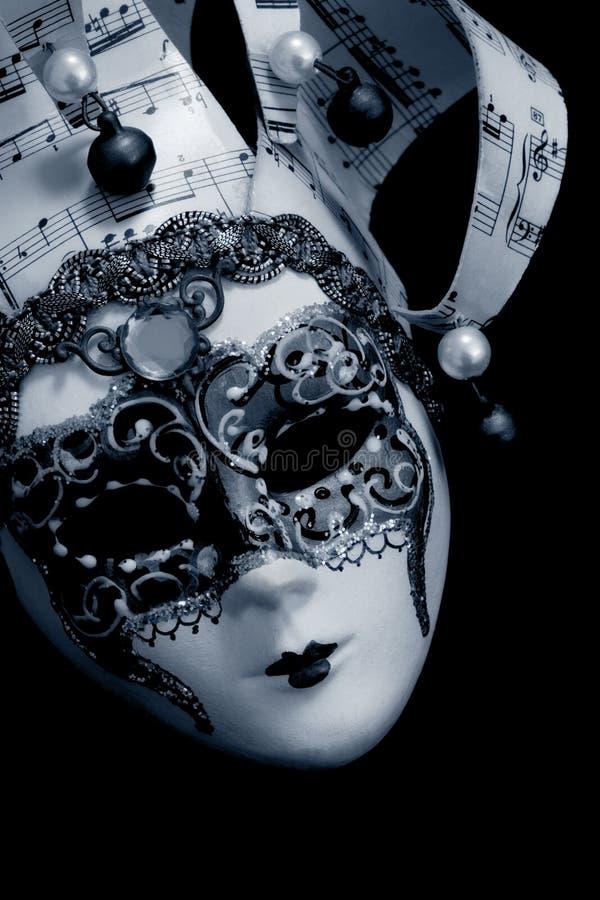 Венецианская маска над чернотой стоковые фотографии rf