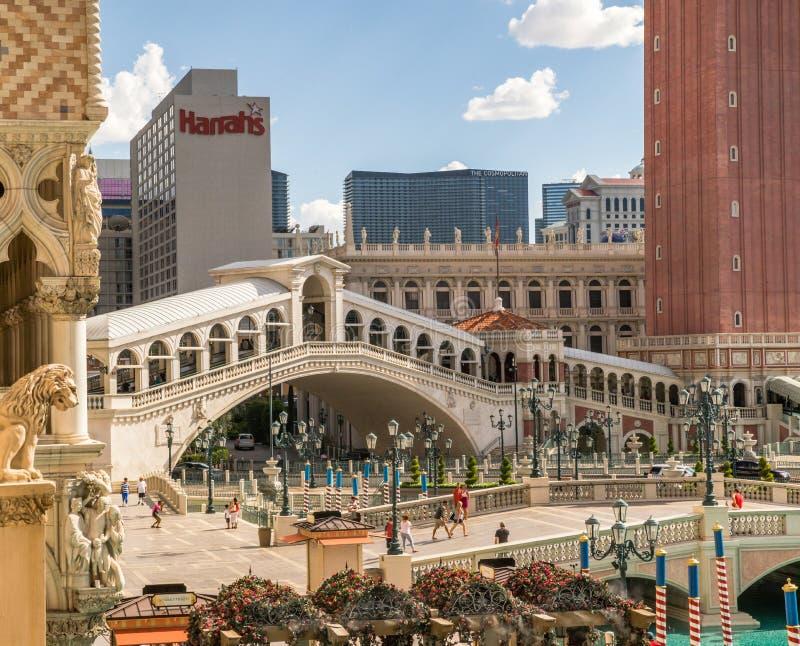 Венецианский пешеходный мост гостиницы и казино над каналом стоковое фото rf