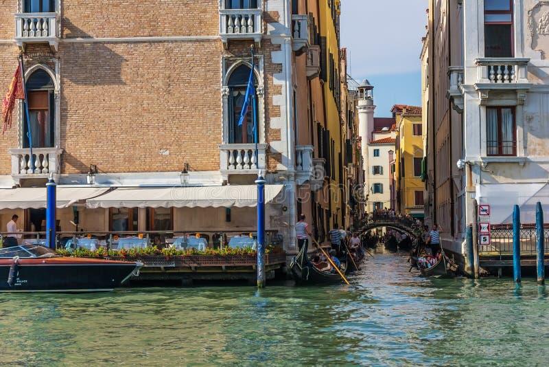 Венеция, Италия - 22-ое августа 2018: Небольшой канал Венеции вызвал стоковое изображение rf