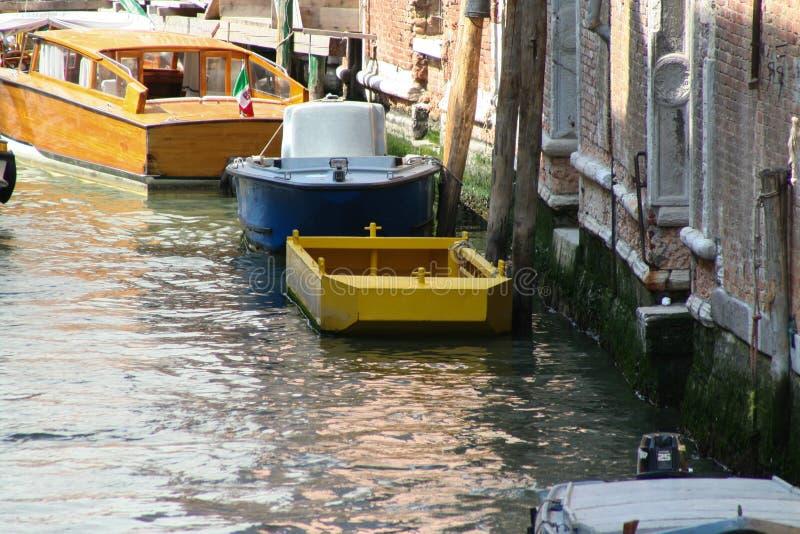 Венеция, канал со шлюпками стоковое фото rf
