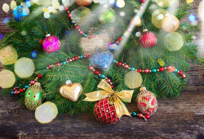 Венок рождества с конусами стоковая фотография