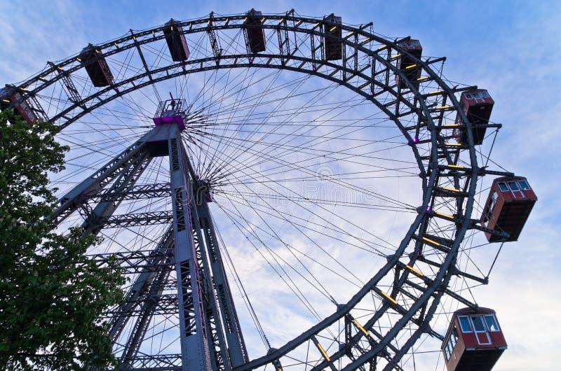 Венские гигантские катят внутри парк атракционов Prater на вену стоковые изображения rf