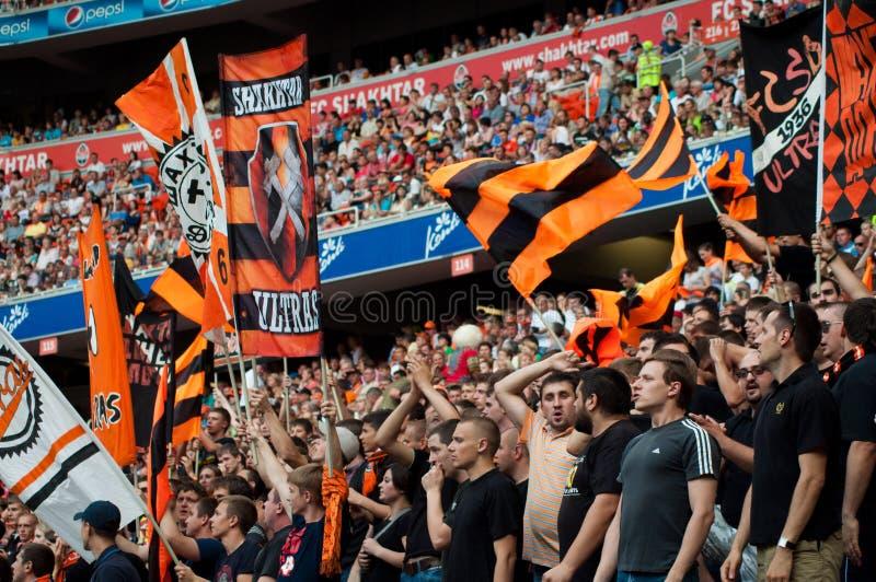 Вентиляторы Shakhtar клуба футбола стоковая фотография rf