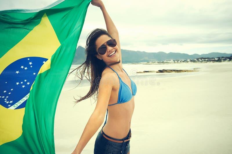 Download Вентилятор женщины флага Бразилии Стоковое Фото - изображение насчитывающей запальчиво, счастье: 40579816