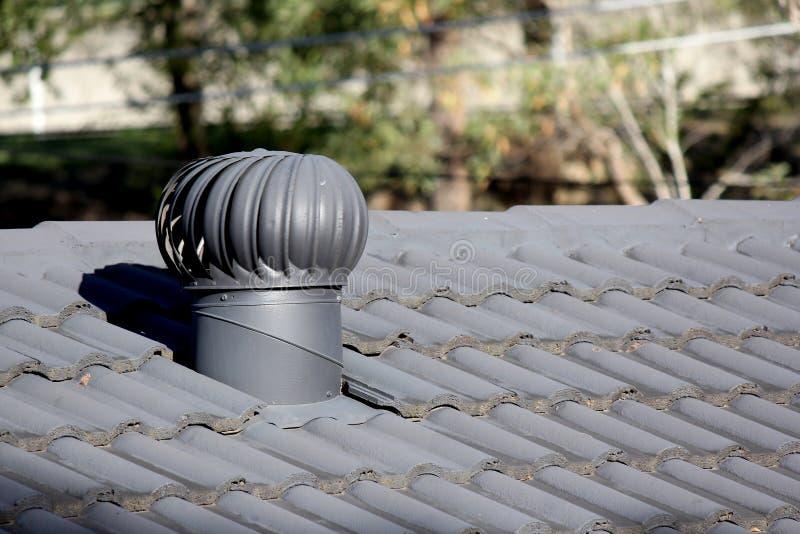 Вентиляционное отверстие турбины крыши стоковое фото rf