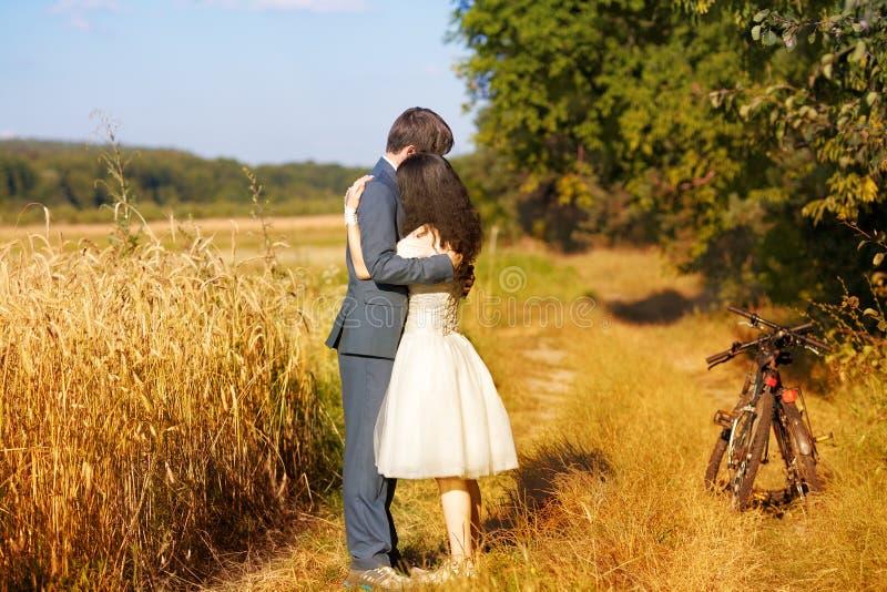 венчание пар счастливое стоковые фотографии rf