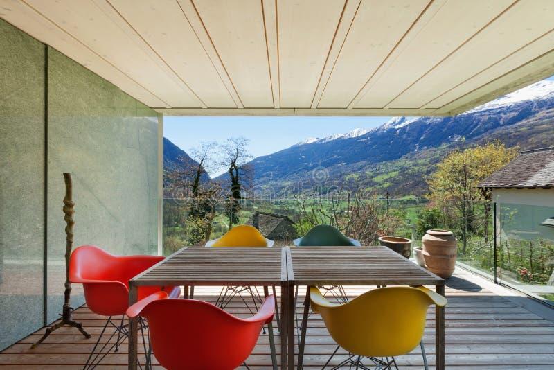 Веранда современного дома стоковая фотография