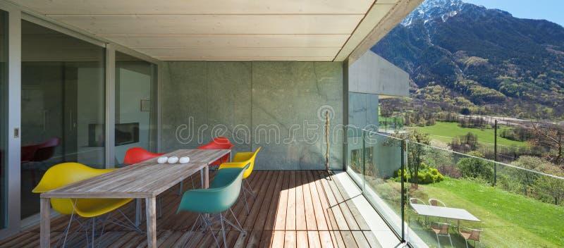 Веранда современного дома стоковые фотографии rf