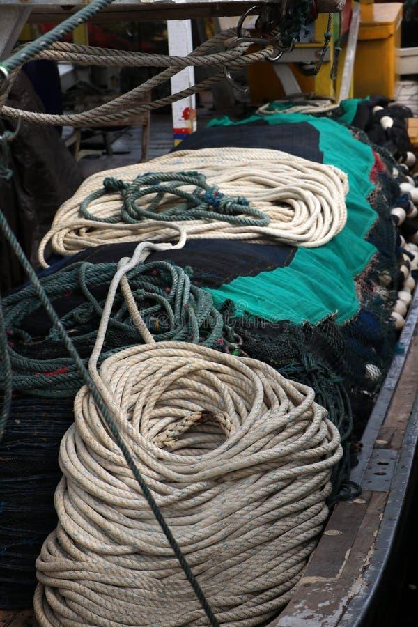 Веревочка для тралить в рыбацкой лодке стоковое фото