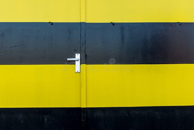 двери промышленные стоковые фотографии rf