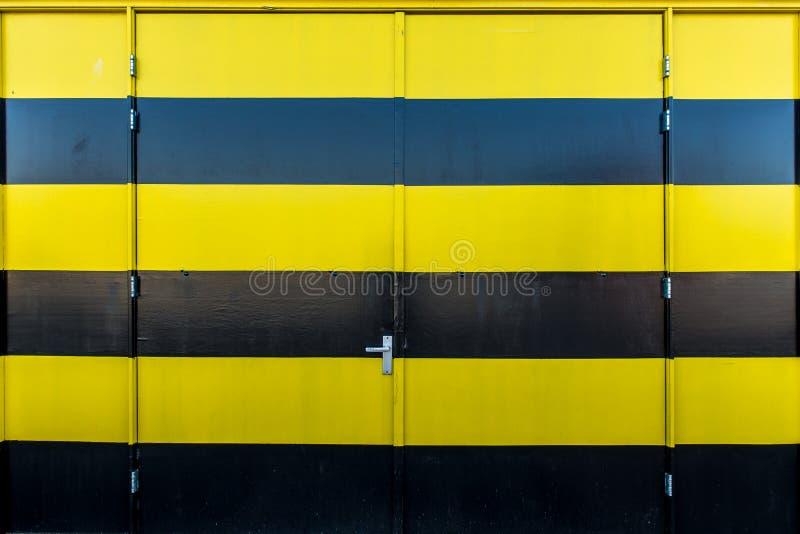 двери промышленные стоковая фотография rf