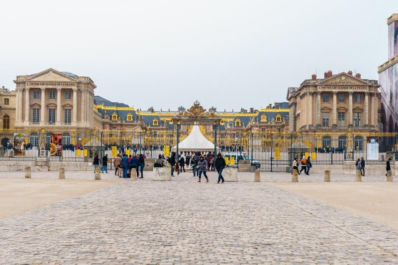 Версаль, Франция - 19 01 2019: Вход дворца Версаль, символ силы короля Луис XIV стоковое фото