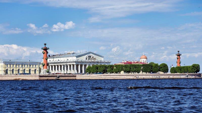 Вертел острова Vasilievsky в Санкт-Петербурге, России стоковое изображение rf