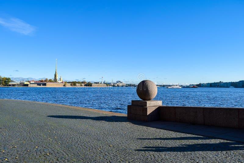 Вертел острова Vasilievsky в Санкт-Петербурге, России стоковое фото