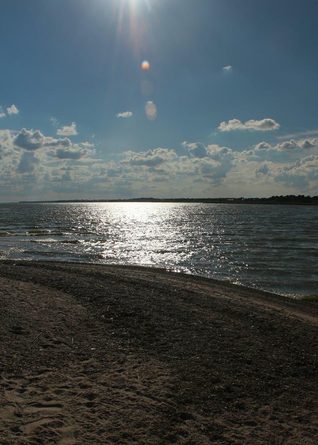 Вертел песка идет к морю стоковые изображения