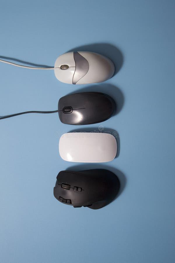 Вертикальное собрание mouses компьютера стоковое изображение