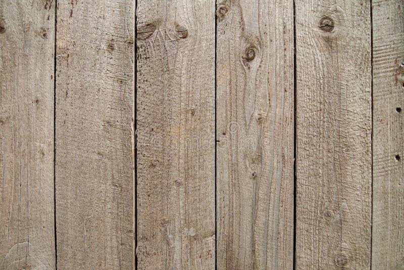 Вертикально помещенные старые деревянные планки стоковые фотографии rf