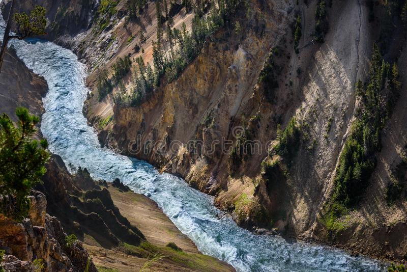 вертикаль реки панорамы горы 3 изображений hdr Ландшафт реки водопада горы Йеллоустона, крупный план стоковые изображения